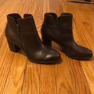 Born Leather Booties Size 8.5 Women